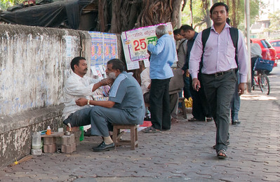 Need a quick shave? only 25 rupees.