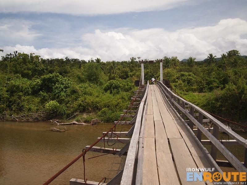 Crossing the bridge to Divilacan