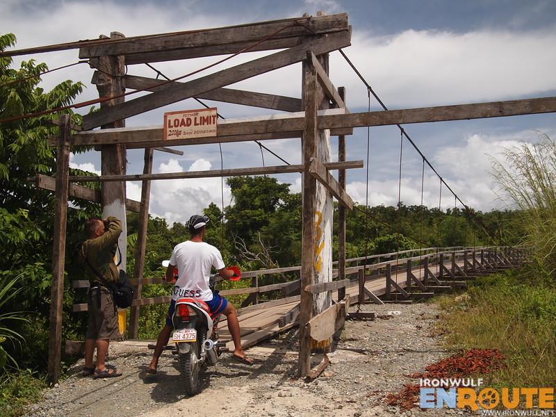 The bridge to Divilacan