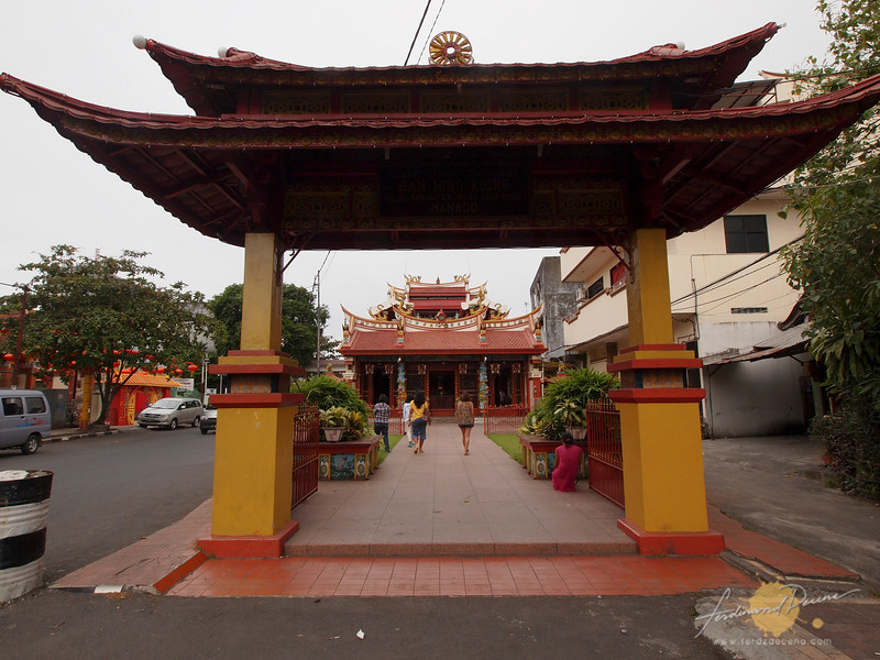 The Ban Hin Kiong Temple, the oldest Chinese temple in East Indonesia