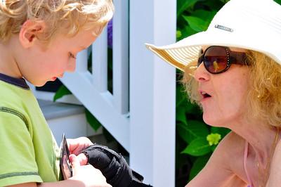 Everett and Noni meet at the beach house`