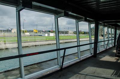 Lock viewing building