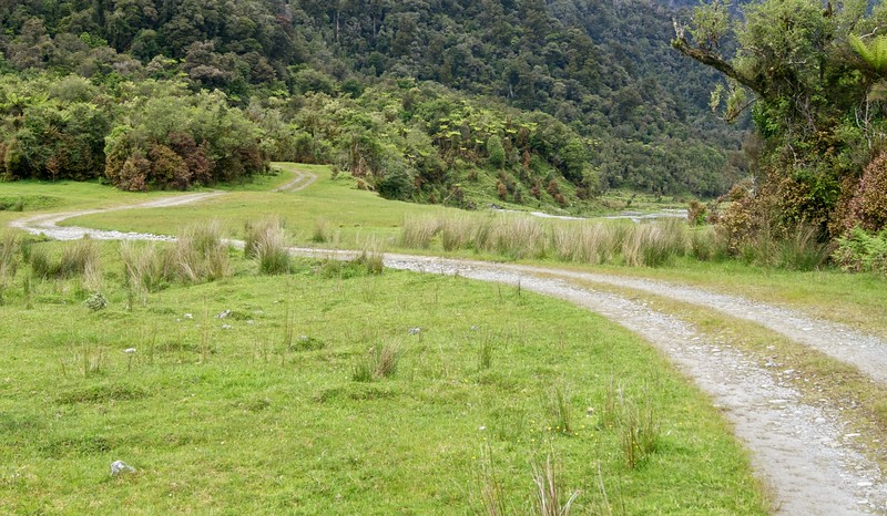 Road to Arahura Cesspool