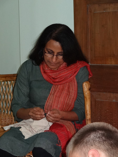 Stitching workshop - Mahdu, coordinator for the student group from Minnesota