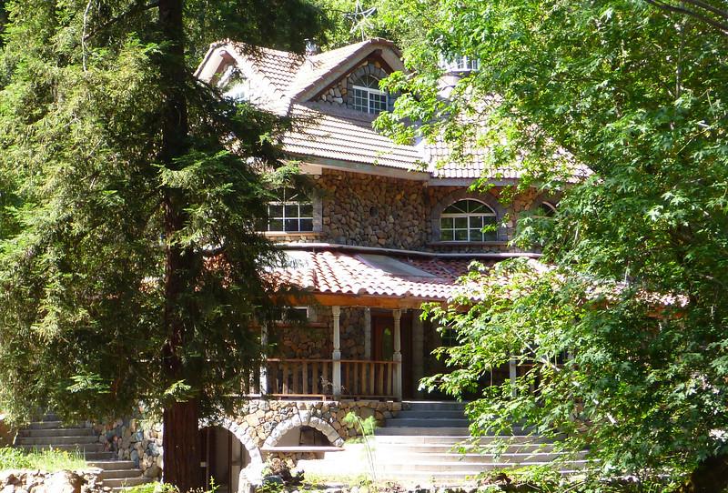 Stone house on Kenwood side street.