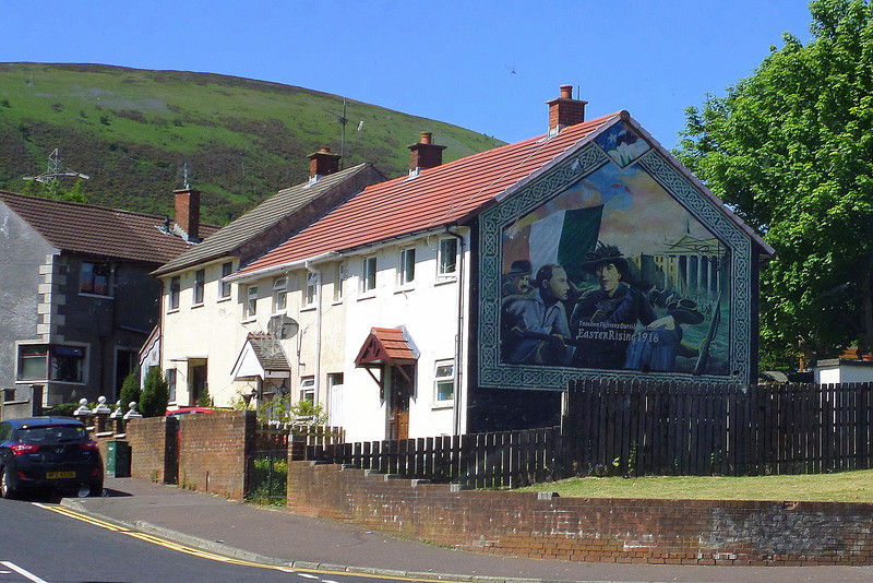 Almost all Northern Ireland murals promote either republican or loyalist political beliefs, often glorifying paramilitary groups such as the Provisional Irish Republican Army, Ulster Freedom Fighters, and the Ulster Volunteer Force, while others commemorate people who have lost their lives in paramilitary or military attacks.