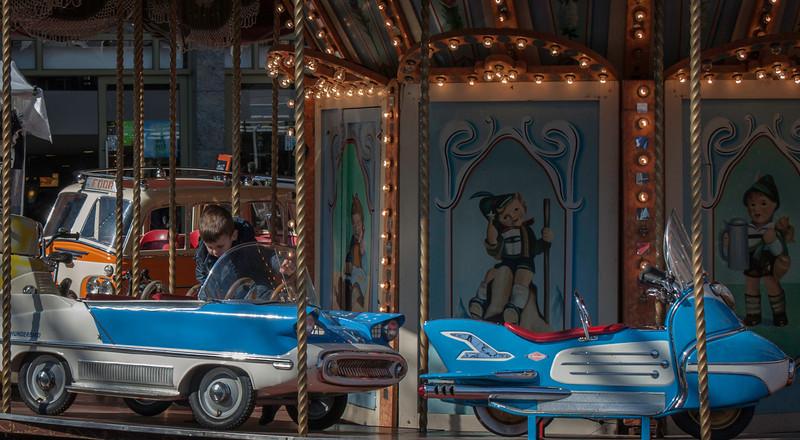 Merry-go-round customer in Eindhoven Centrum.