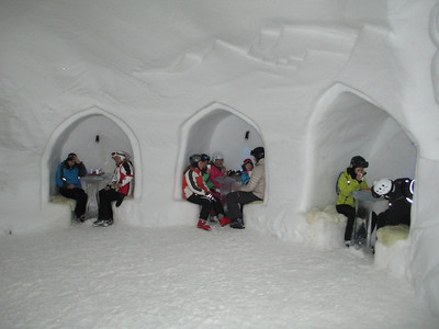 White Lounge Igloo