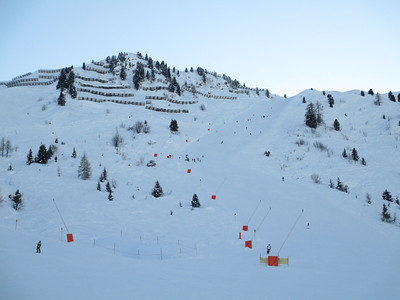 This is the particuarly steep RED slope 16 that comes off the Rastkogel where it rejoins the Penken.
