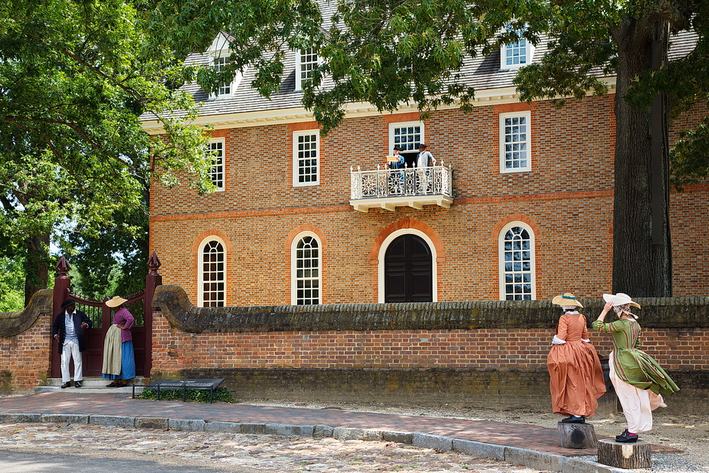 31 In colonial Williamsburg, VA, at the time of the American Revolution, the Declaration of Independence was read to the townspeople from this balcony. At the time not all Americans were considered equal and the document left out guarantees of freedom for certain people. Therefore, the two black people at the lower left of the photo were complaining about their lack of inclusion among the people who would be free in the new United States of America, as were the two women at the lower right. Therefore, not everyone living in the colonies was in favor of independence, with some favoring the status quo of the British ruling the colonies. Political controversy is not new to the U.S.