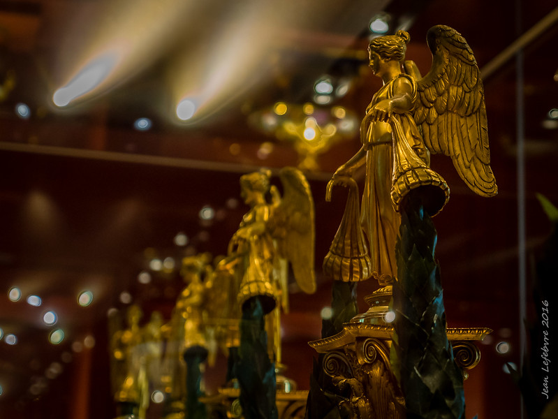 Golden Angels at the Neues Museum