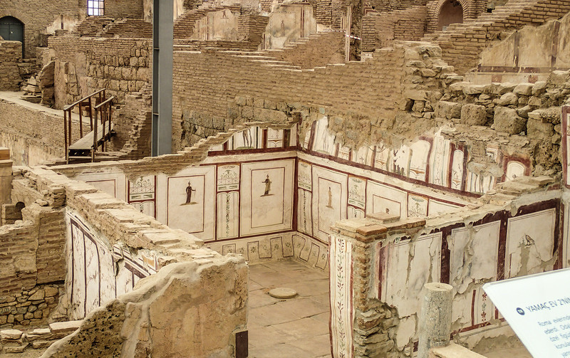 Ephesus, The Terrace Houses - Walls and frescoes