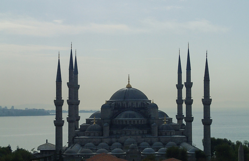 Another beautiful morning in Istanbul, can't resist taking another picture of the Blue Mosque from the terrace