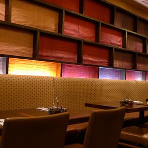Colours in a Vietnamese restaurant