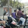 Ikkeno problem for far å kjøre barna til skolen/barnehagen så lenge man har en motorsykkel.