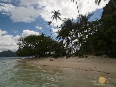 Pinagbuyutan Island