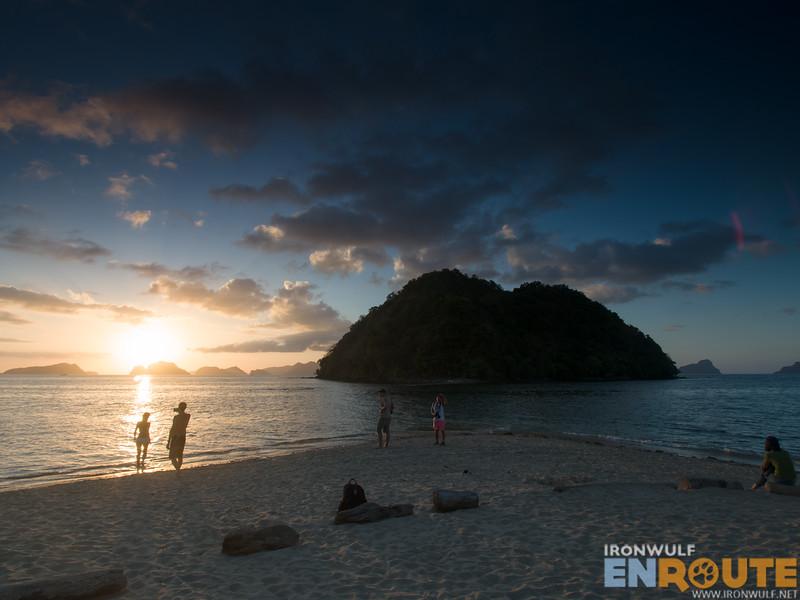 People enjoying the sunset at Marimegmeg Corong Corong El Nido