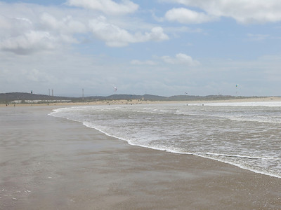 The next day was very windy - you can see the kite and wind surfers -