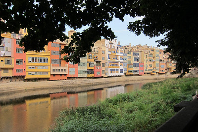 From the trip to Girona (Gerona), Catalunya, Spain. Riu Onyar (Onyar River).