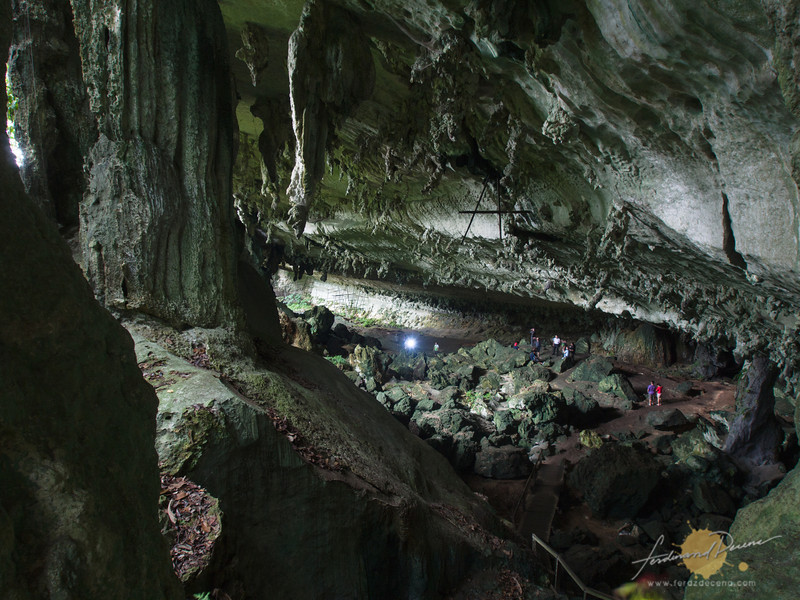 Trader's Cave seen from a higher vantage point