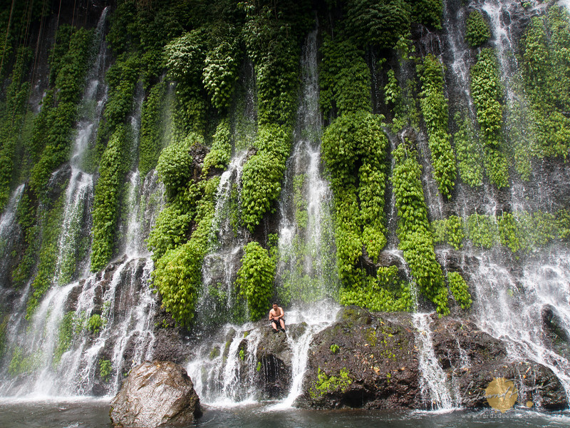 Under the showers of Asik-asik Falls