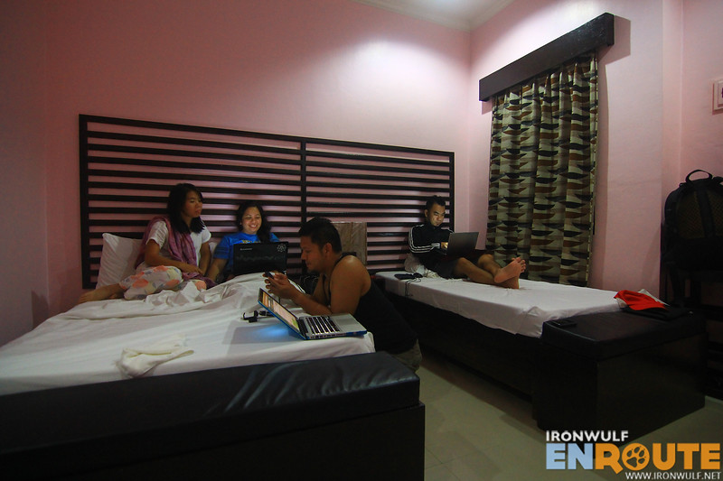 TravelMindanao team catching up on the internet at Dream Haven Valencia
