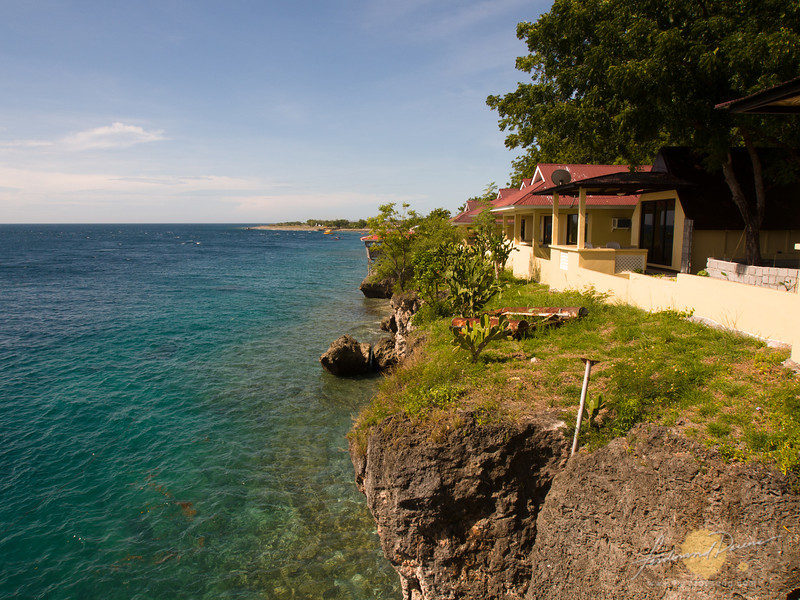 Cliff view at Maasim from Lemlunay Dive Resort