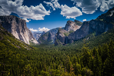 Yosemite Valley from the roadside pull-out