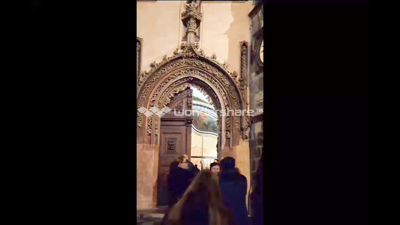 This video is of the medieval door leading into the City Hall.  On this video you can hear some of the inebriated guys on the square starting to sing their college yells, and songs.