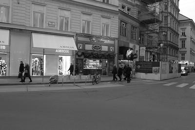 Wien D7 車站 薩賀飯店 史蒂芬教堂 聖誕市集 蘭特曼咖啡