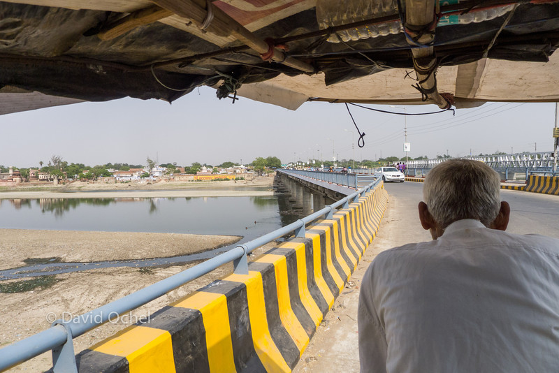 Crossing the Yamuna on my human-powered riskhaw.
