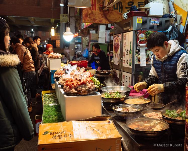 Jugyo-dong (Dongdaemun) Market - Seoul, December 28, 2014<br /> Yukke Meal W12000