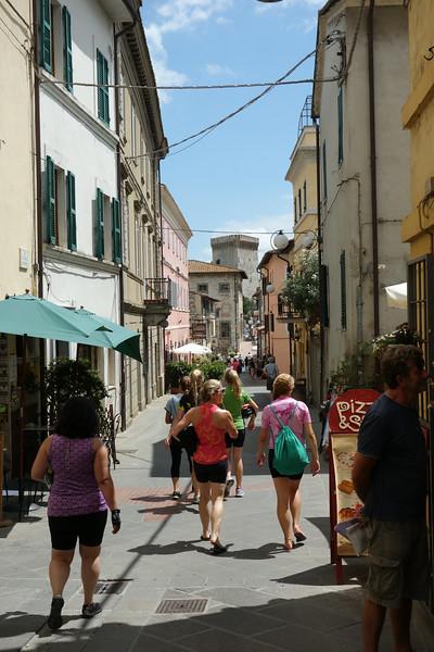Walking through Castiglione del Lago to find lunch