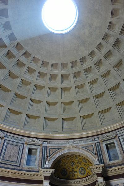 Inside the amazing Pantheon