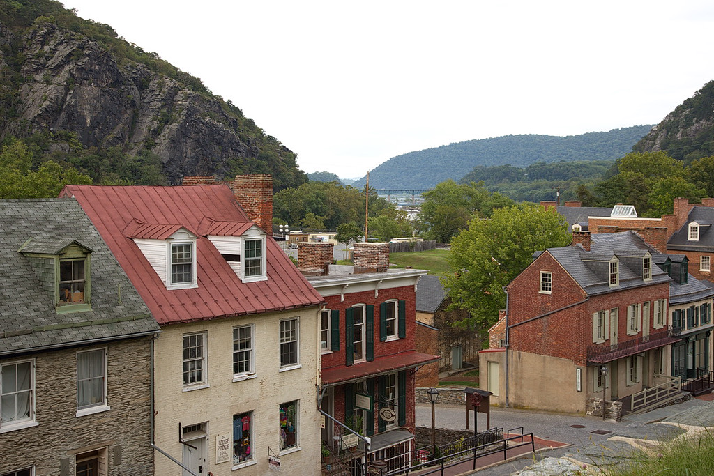 396 Dormers are obviously popular in Harpers Ferry. In the background is a bridge where U.S. Route 340 crosses the Potomac from MD to VA (left to right), and vice versa.