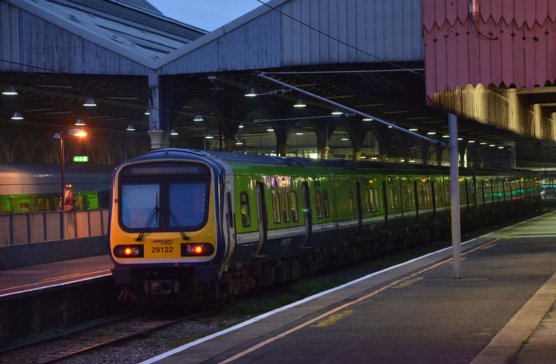 29022 & 29001 stands at Connolly with the 1715 to Longford. 020114