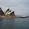 Sydney Opera House and Queen Mary 2 in Sydney