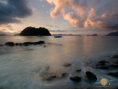 Backpack Photography El Nido Photo Tour Marimegmeg Beach, Sunset