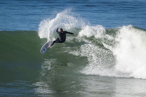 SurfersAtPillarPoint09-16-14