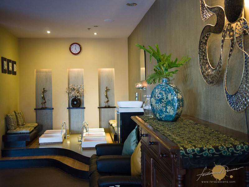 The spa foot massage area
