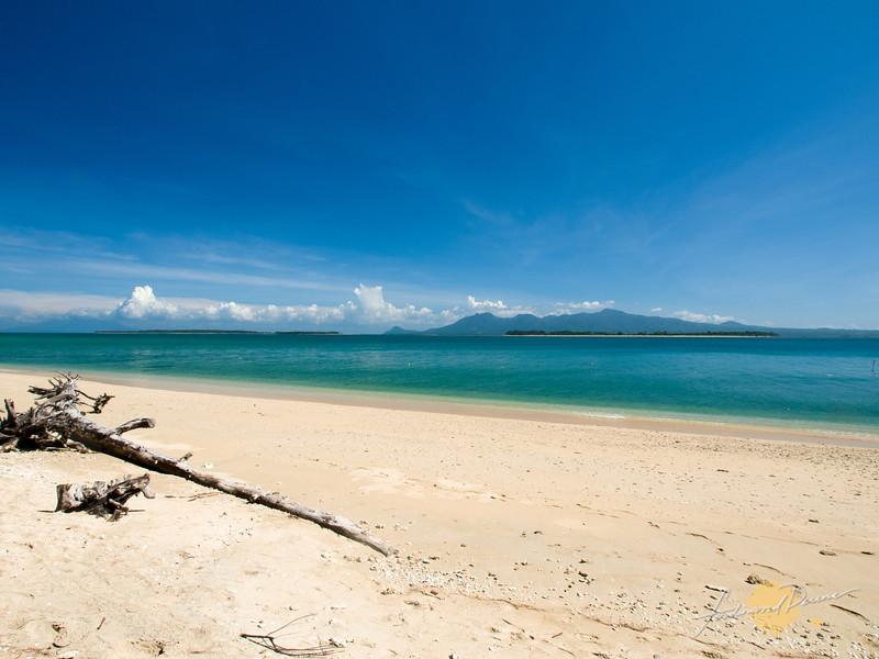 The beach at Apuao Pequeña