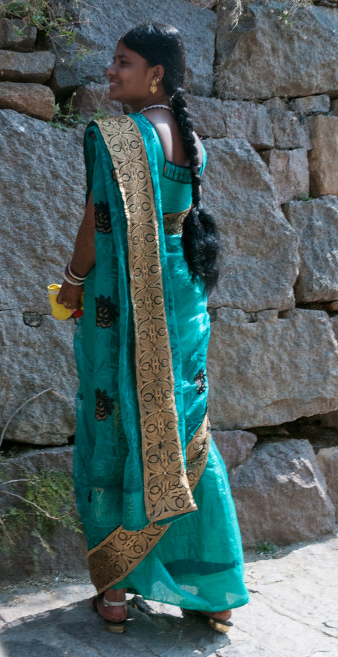 A beautiful sari. Golconda Fort - Hyderabad.