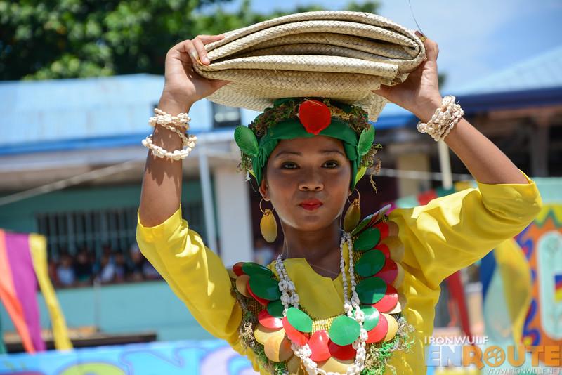 A Bongao performer with a banig