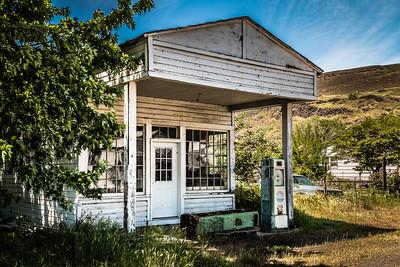 Old Service Station - Maryhill, WA