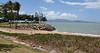 Strand, Townsville. Kite-surfers.