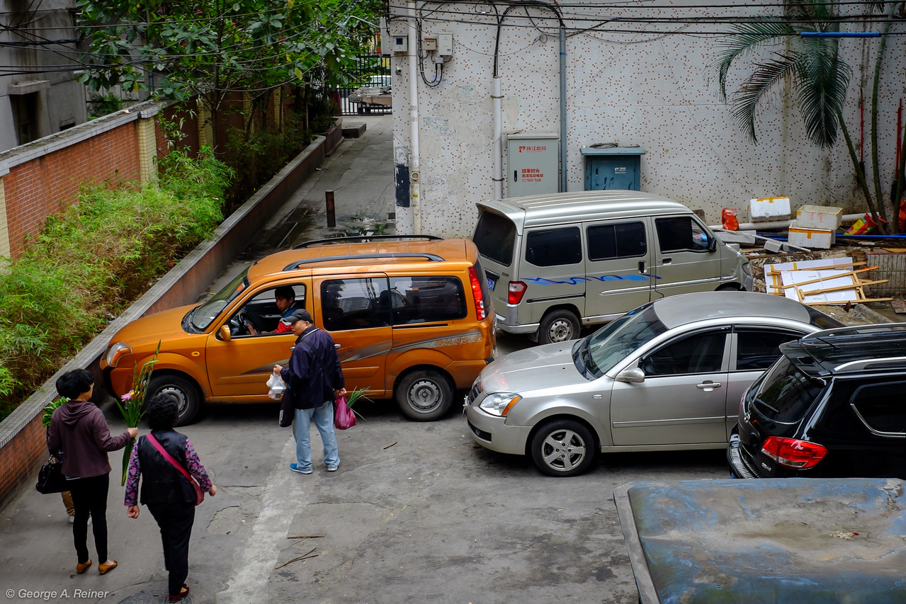 Parking problems exist all over Guangzhou.