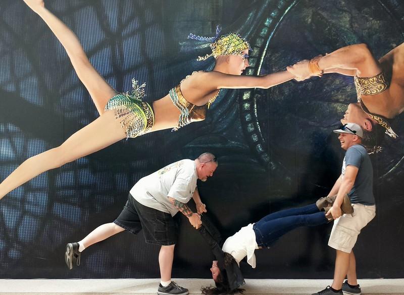 Vegas Cirque.jpg
