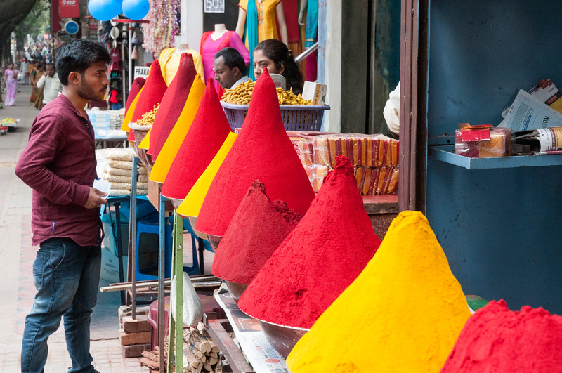 vendors of colored powder, Sampige Rd, Bangalore
