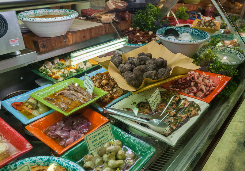 Truffles and other local delicacies in Mercato Centrale - Florence
