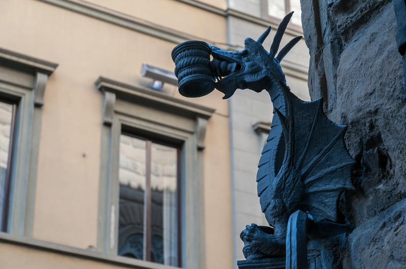 A particularly decorative lantern-holder on Via de Tornabuoni.